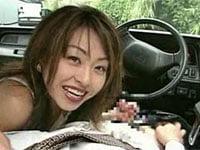 ちょっと懐かしい美人お姉さん、麻宮淳子がタクシードライバーを誘惑手コキ。