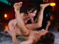 上品で色白な美女・かすみ果穂が男を完全リードする痴女的SEX! 接吻に背後から手コキに、ちんぐり騎乗位っ!