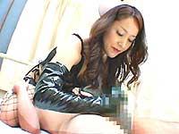 「エナメルグローブ フル勃起手コキ」画像