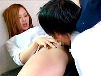 洗ってないマ○コを同級生に舐めさせる女子校生のキャプチャ画像