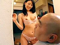 美人の奥さんが、隣のご主人を逆レイプ!