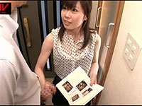かわいい隣のお姉さんはストーカー! 男を脅して手コキ抜き。桜井愛美
